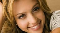 Jessica Alba, in forma dopo il parto grazie alle guaine