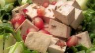 Cucina light: insalata di tofu e melograno