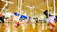 I benefici dello yoga anti-gravity