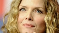Michelle Pfeiffer, bisturi ok, ma con parsimonia