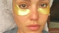 Jessica Alba sceglie l'oro per il contorno occhi