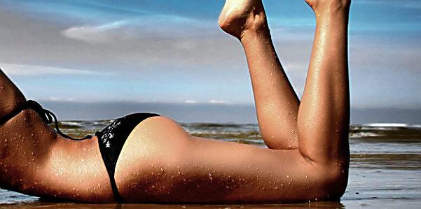 Cellulite: ecco come combatterla al mare