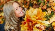 I capelli in autunno cadono di più. Cosa fare?