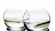 Dimagrire con due bicchieri d'acqua? Si può...