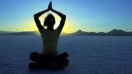 Mal di schiena? Yoga e stretching funzionano!