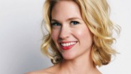 January Jones, bella con poca acqua