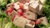 Cucina light: insalata di tofu e melograno