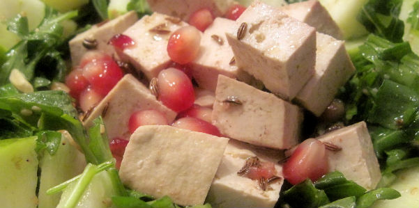 Cucina light: insalata di tofu e melograno | Wellness Farm