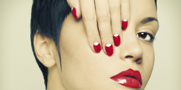 french-reverse-manicure