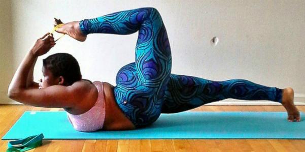 insegnante_di_yoga_curvy