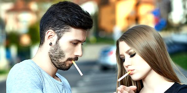 Teenager fumare durante il sesso