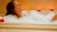 Un bagno caldo contro la ritenzione idrica