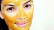 Maschera alla curcuma contro l'acne