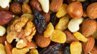 La frutta secca abbassa il colesterolo e fa dimagrire