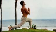 Yoga tra le piante di marijuana