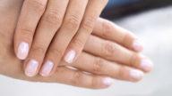 Rinforzare le unghie: la ricetta per un olio fai da te