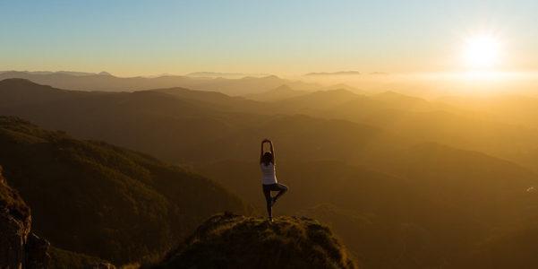 Perché e in che modo lo yoga ti aiuta con lo stress da quarantena