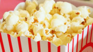 Come fare popcorn salutari per le serate Netflix in quarantena