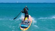 Come il paddle surf ti terrà in forma tutta l'estate